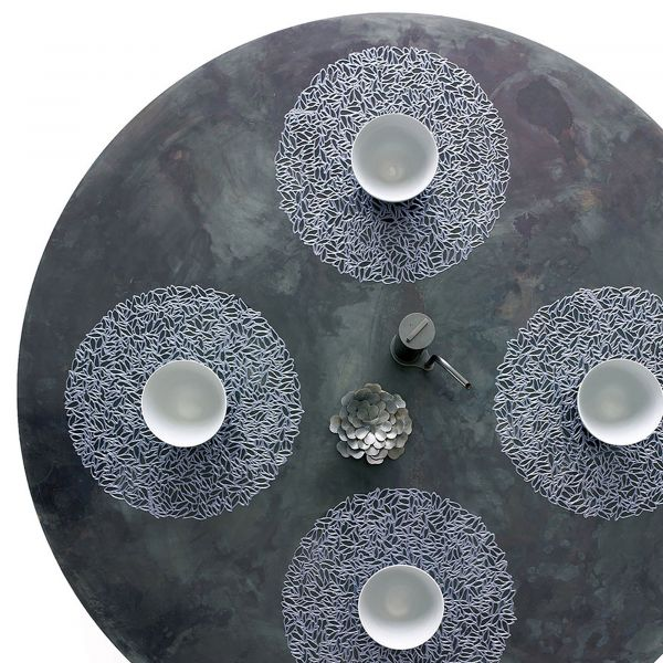 Салфетка Chilewich PRESSED PETAL подстановочная материал винил круглая 38 см STEEL BLUE 100407-002