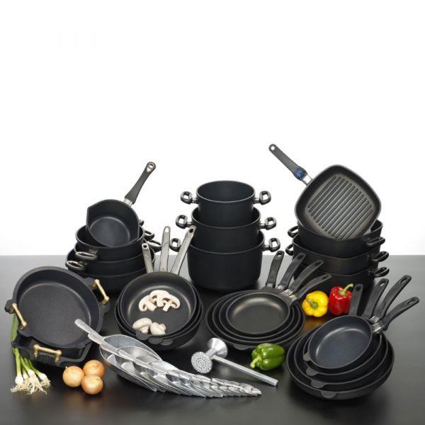 Сковорода глубокая 28 см AMT для индукционных плит, со съемной ручкой, серия Frying Pans Titan, AMT I-728
