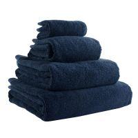 Полотенце банное темно-синего цвета из коллекции Essential, 70х140 см TK18-BT0013