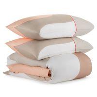Комплект постельного белья из сатина бежевого цвета с авторским принтом из коллекции freak fruit TK20-DC0045